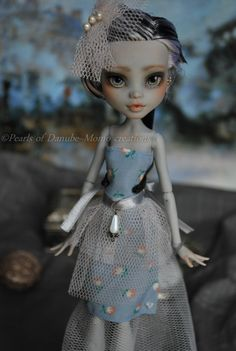 ~ Momo & Lacey monster high repaint ~ Achat ~ Frankie Stein ~