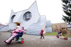 Die Katze, Kindergarden in Germany designed by Tomi Hungerer and architect Ayla Suzan Yöndel.