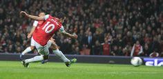 van Persie scores against Newcastle