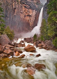 Lower Yosemite Falls, Yosemite National Park, CA