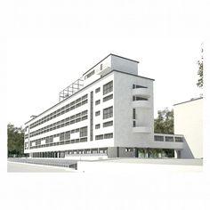 "27# Edificio Narkomfin . Moisei Ginsburg e Nikolai Miljutin  #Moisei #Nikolai #Habitation #Social #Casa-Comuna"" #Russian"