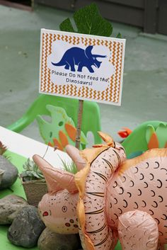 """""""Don't Feed the Dinosaurs"""" sign: Dinosaur / Birthday """"Roar!! 