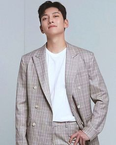 Source by LNamwoo clothes fashion male Korean Men, Korean Actors, Korean Idols, Ji Chang Wook Photoshoot, Ji Chan Wook, Charming Eyes, Netflix, Mens Fashion, Fashion Outfits