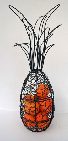 Unusual Pineapple Fruit cage Twisted Black Wire Fruit Basket Metal Fruit Basket