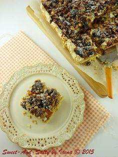 sweet-and-salty: Beze kolač sa suvim voćem / Meringue Cake With Dried Fruits