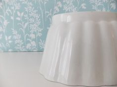 Ceramic Grimwade jelly mould / blancmange mold from the 1930s.