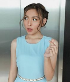 Filipina Beauty, Ariana Grande Wallpaper, Best Actress, Crop Tops, Tank Tops, Basic Tank Top, Idol, Actresses, Celebrities