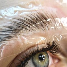 Eyebrow Lift, Eyebrow Beauty, Best Eyebrow Makeup, Best Eyebrow Products, Natural Brushes, Natural Brows, Instagram Eyebrows, Makeup Boutique, Skin Aesthetics