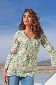 Intricate crochet embroidery adds bohemian-luxe style to this long sleeve tunic top with light green floral motifs. Classy Trends, Boho Trends, Weekend Getaway Outfits, Seventies Fashion, Boston Proper, Indie Fashion, Boho Look, Long Sleeve Tunic, Modern Boho