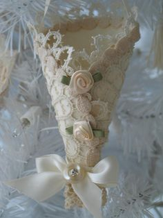 .Christmas ornament using antique lace