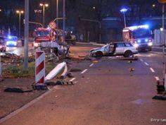 Unfallfahrer muss per Sofortrettung aus Pkw befreit werden http://www.feuerwehrleben.de/unfallfahrer-muss-mit-sofortrettung-aus-pkw-befreit-werden/ #feuerwehr #tuttlingen