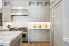 "3"" range end, sink end, column leg, shaker door, wall stacked cabinet, stainless hood"