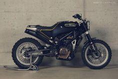 Husqvarna 401 motorcycle concept Svart Pilen (Black Arrow).  Yes, please!