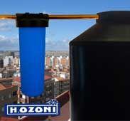 """SISTEMA DE FILTRACIÓN PARA RESTAURANTES Y CASAS DE 20""""    El sistema de filtración H2OZONI incluye:    Un vaso con cartucho de sedimentos que sirve para retener todos los sólidos y suciedad del agua.      Un vaso con cartucho de carbón activado para eliminar el cloro, color, olor y sabor de agua.  Instalación (incluye Bypass, mano de obra y materiales)    En caso que tenga dureza se requiere un vaso especial extra de resinas cationicas."""