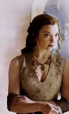 Margaery Tyrell Game Of Thrones Costumes, Hbo Game Of Thrones, Margeary Tyrell, Got Characters, Growing Strong, Royal Beauty, The Game Is Over, Natalie Dormer, Hbo Series
