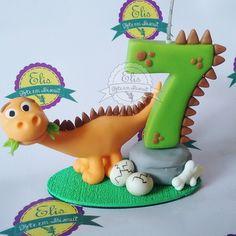 Minions, Fondant Letters, James 1st, Fondant Figures Tutorial, Clay Mugs, Dinosaur Cake, Pasta Flexible, Dinosaurs, Cake Toppers