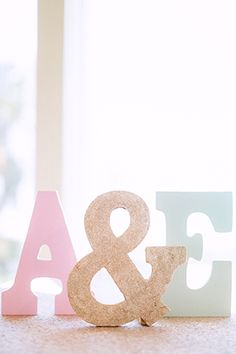 A glitter DIY wedding on a med school budget with aqua, pink and gold details in Sanibel // photos by Hunter Ryan Photo: http://www.hunterryanphoto.com || see more at: http://www.artfullywed.com/real-couples/weddings/aqua-pink-gold-glitter-diy-wedding/