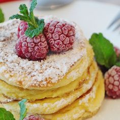 Pancakes are very popular in many parts of the world. Make tasty pancake recipes and enjoy these treats for breakfast or desserts. Serve these delicious recipes and have your fill of great tasting pancakes. Pancake Recipe Nz, Pancake Proteine, Classic Pancake Recipe, Vegan Pancake Recipes, Classic Recipe, Ricotta Pancakes, Tasty Pancakes, Protein Pancakes, German Pancakes