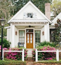 Super House Exterior Cottage Tiny Homes 50 Ideas Tyni House, Cozy House, Cottage House, Cottage Exterior, Trendy Home, White Houses, Home Fashion, My Dream Home, Cottage Style