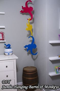 DIY Jumbo Hanging Barrel of Monkeys - We made these for our son's Disney & Toy Story nursery! Toy Story Nursery, Toy Story Bedroom, Toy Story Baby, Toy Story Theme, Toy Story Birthday, 3rd Birthday, Cumple Toy Story, Festa Toy Story, Disney Rooms