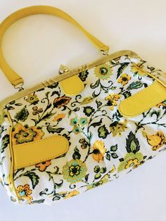 Yellow Home Accessories, Yellow Jewelry, Yellow Earrings, Vintage Purses, Vintage Jewelry, 70s Fashion, Vintage Fashion, Hippie Purse, Yellow Purses