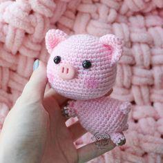 Pig amigurumi crochet toy