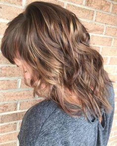 17 Incredibly Gorgeous V-Cut Hair Shape Ideas Sleek Hairstyles, Latest Hairstyles, Vintage Hairstyles, Straight Hairstyles, V Cut Hair, Wavy Hair, Hair Cuts, V Shaped Haircut, Cool Haircuts For Girls
