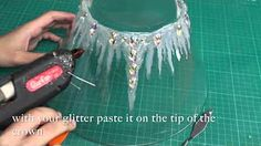 with a simple equipment you can make a glam ice crown . contact me on my other social media . Ice Crown, Make A Crown, Glace Diy, Ice Queen Costume, Frozen Costume, Karneval Diy, Costume Venitien, Accessoires Photo, Glue Gun Crafts