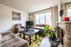 Colorful 2-bedroom premium apartment in Paris with a magnificent interior design and elegant furnishings in the 17th district of the city at...