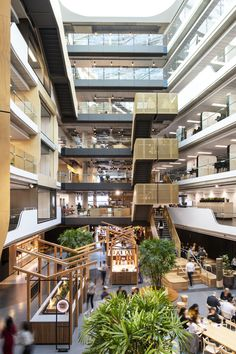 The Axle building for Commonwealth Bank in Sydney's South Eveleigh offers a template for the future of 'work' working in Australia. Stairs Architecture, Architecture Awards, Interior Architecture, Lobby Interior, Interior Stairs, Base Building, Green Building, Master Thesis, Atrium Design