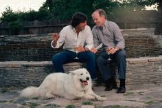 Steve Jobs and Regis McKenna  Public relations man Regis McKenna sits in his backyard with Apple Computer chairman Steve Jobs (in white shirt). McKenna worked on promoting the Macintosh when it was first introduced.   © Roger Ressmeyer/Corbis