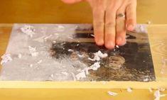 En frottant la pâte sur le dessus, il ne reste que la photo de collée sur le bois! C'est magique!!