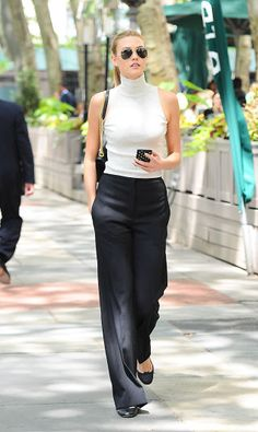 15 stylish summer office outfit ideas to try this August: classic black and white, as seen on Karlie Kloss