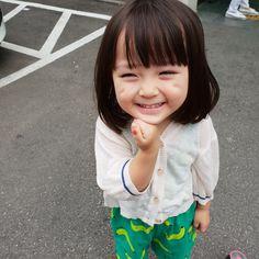 투표인증 ,(^~^;)ゞ ㅋㅋㅋㅋㅋㅋㅋㅋㅋㅋㅋㅋㅋㅋㅋ #투표인증 - 예콩이&예콩맘 @agijagimin Cute Asian Babies, Korean Babies, Asian Kids, Cute Korean Girl, Cute Asian Girls, Cute Babies, Cute Little Baby, Cute Baby Girl, Little Babies