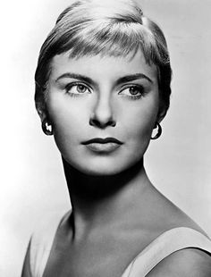 Joanne Woodward(1930-) - 1960s.jpg Joanne Gignilliat Trimmier Woodward,American actress and producer. She is perhaps best known for her Academy Award-winning role in The Three Faces of Eve (1957).Woodward was reported to have been engaged to author Gore Vidal prior to marrying Paul Newman. However, there was no real engagement: Vidal later claimed it was a stunt to attract Newman's attention.Woodward shared a house with Vidal in Los Angeles for a short time and they remained friends.