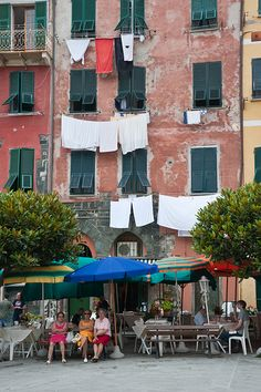 La vida simple   Manarola  Cinque Terre Italia...something about laundry and bicycles ...haha, always draws me in!