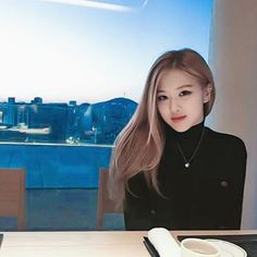 rose from blackpink Kpop Girl Groups, Korean Girl Groups, Kpop Girls, K Pop, Forever Young, Foto Rose, Square Two, Divas, Rose Bonbon
