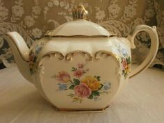 Vintage Sadler 'Rose Posy' teapot