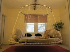 Floating Dream Bed with advanced upper ring design.