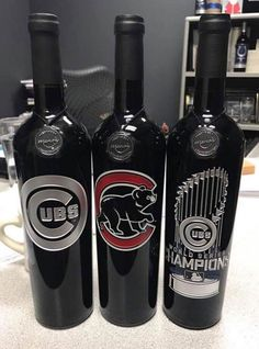Cubs etched wine bottles