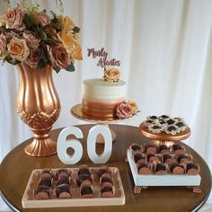 Birthday Cake Roses, Birthday Table, 60th Birthday Party, Birthday Balloons, Birthday Party Decorations, Party In A Box, Gold Party, Birthday Pictures, Holidays And Events