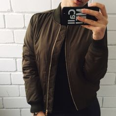 Army green bomber jacket Classic army green! This one is more the one seen on celebrities like Kylie Jenner, Gigi Hadid ect. It's thick and warm and has the orange lining! *Under Zara for exposure     Tags: Kylie lip kit, candy k, dolce k, true brown k, posie k, Mary jo k, 22   No negative comment ❌ No trades  I ship next day  I discount bundles ✅Make an offer Zara Jackets & Coats