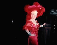 """Inspirational quotes by famous women: MAE WEST """"You only live once, but if you do it right, once is enough."""""""
