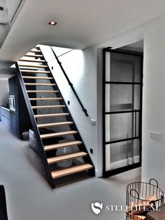 Open Trap, Metal Stairs, Cabana, House Stairs, Sustainable Design, Interior Design Living Room, Home And Living, Building A House, New Homes