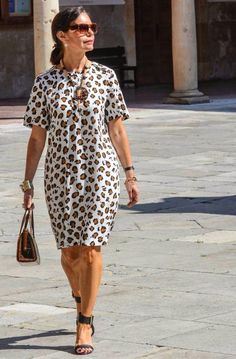 Best Fashion Ideas For Women Over 50 - Fashion Trends Mature Fashion, Office Fashion Women, Plus Size Fashion For Women, Fashion Over 50, Mode Chic, Ideias Fashion, Casual Outfits, Casual Wear, Kimono