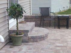 ideas cement patio landscaping porches for 2019 Door Steps, Porch Steps, Patio Design, Diy Patio, Brick Patios, Patio Stairs, Small Brick Patio