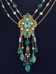 Art Nouveau gold, enamel, emerald, pearl and diamond Necklace, ca 1900