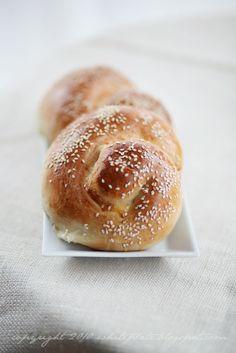 Pracownia Wypieków: Tiropsomo: Greckie bułeczki z serem feta