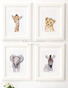 ♡ Safari baby portret set van 4 ♡ deze set bestaat uit 4 hoogwaardige reproducties van mijn originele kunstwerken - portretten van: Giraffe, Leeuw, Zebra, olifant. Perfect voor safari kwekerij decor. • Over PRINTS • ----------------------- Ingelijst (frame is slechts een voorbeeld is niet