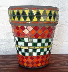 Mosaic flowers pot- Pot à fleurs en mosaïque by MOSAICOSMIK on Etsy…